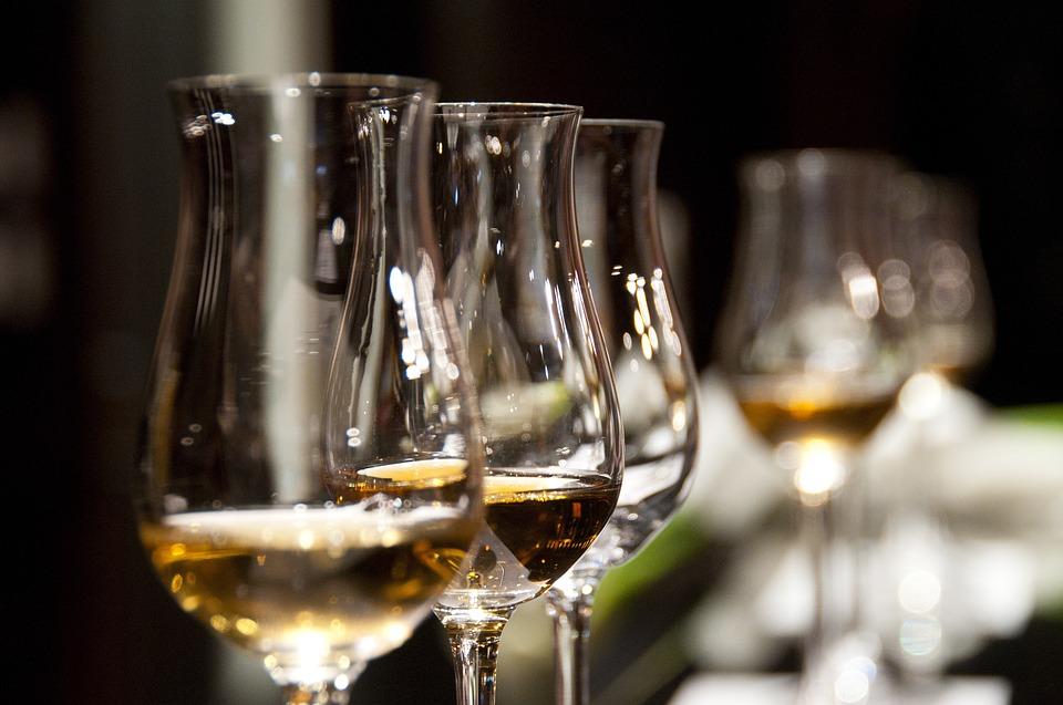 Vin bør opbevares i et vinopbevaringsskab